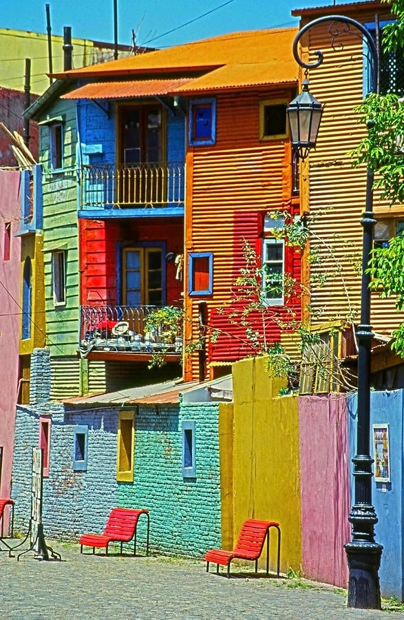colourful-buildings-024