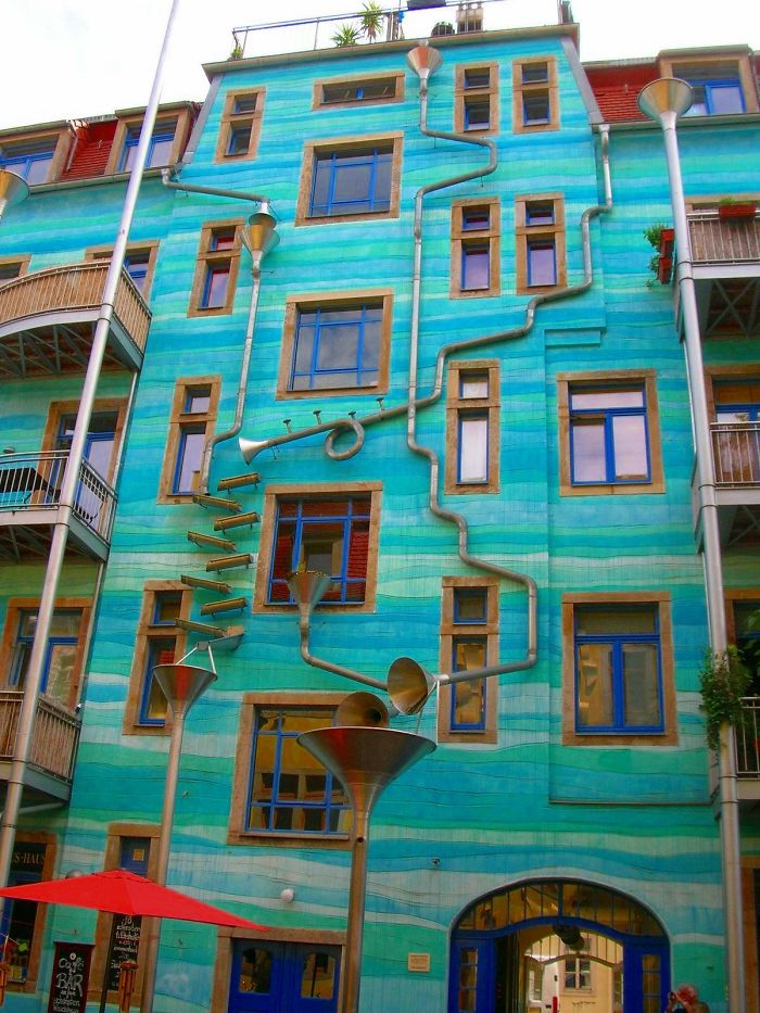 colourful-buildings-025