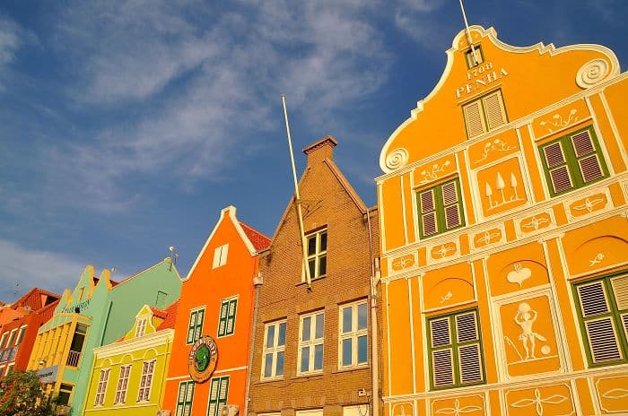 colourful-buildings-067