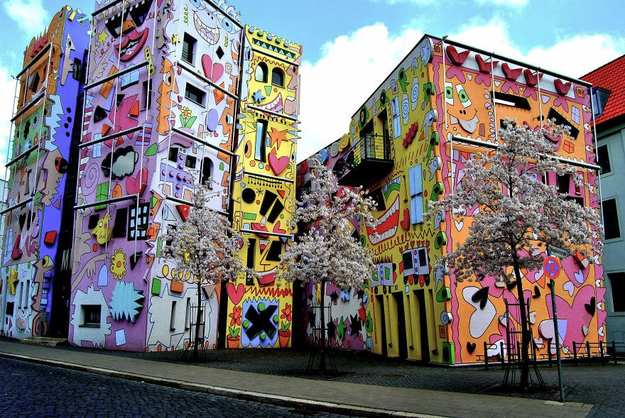 colourful-buildings-080
