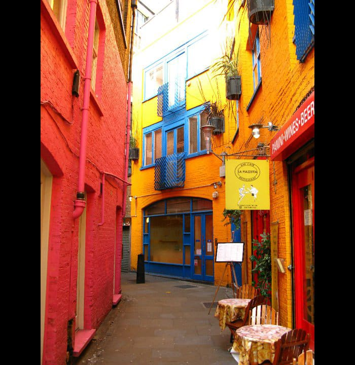 colourful-buildings-082