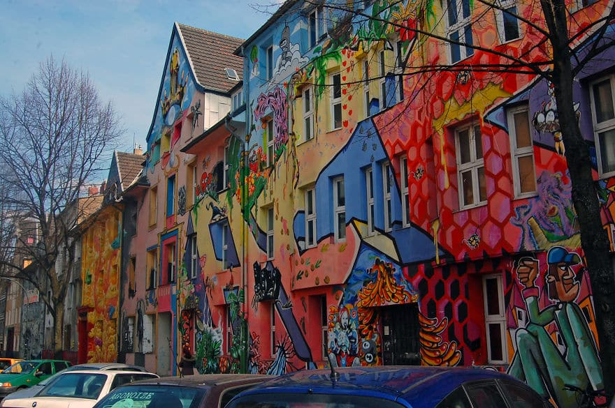 colourful-buildings-104