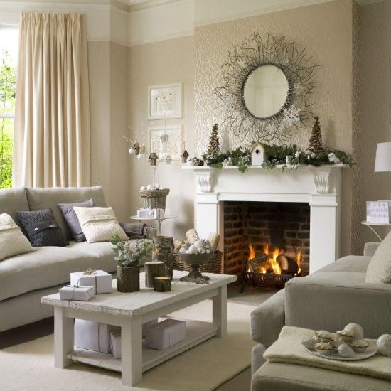 Beautiful Christmas Decorations For Your Living Room: 41 Christmas Decoration Ideas For Your Living Room -DesignBump