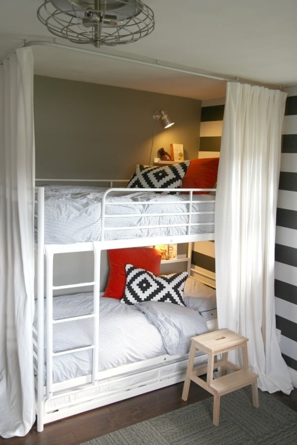 Tiny Bedroom 23 clever tricks for your tiny bedroom -designbump