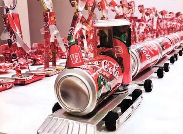 15 Totally Genius DIY Soda Can Crafts DesignBump