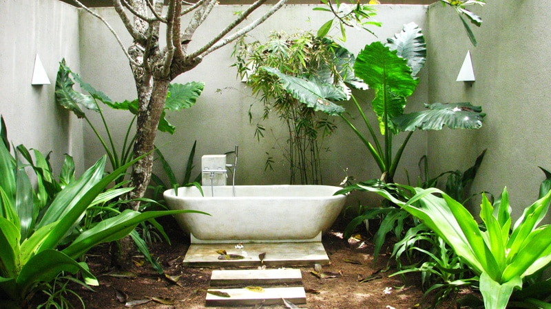 Outdoor Bathroom 55+ beautiful outdoor bathroom ideas -designbump