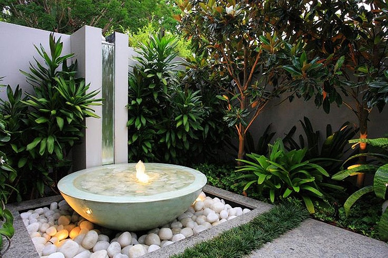 Contemporary Water Features 17