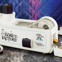 Kitchen Gadgets: donut maker